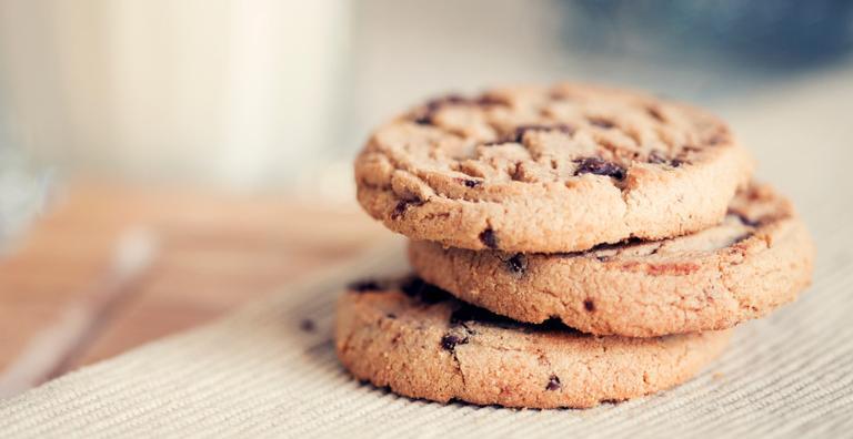 Biscoitos já existiam desde a Idade Média, mas a ideia de colocar pedaços de chocolate dentro só apareceu bem depois