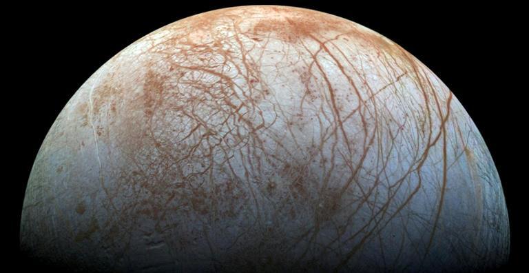 Uma das quatro grandes luas do planeta, ela foi descoberta por Galileu Galilei em 1610