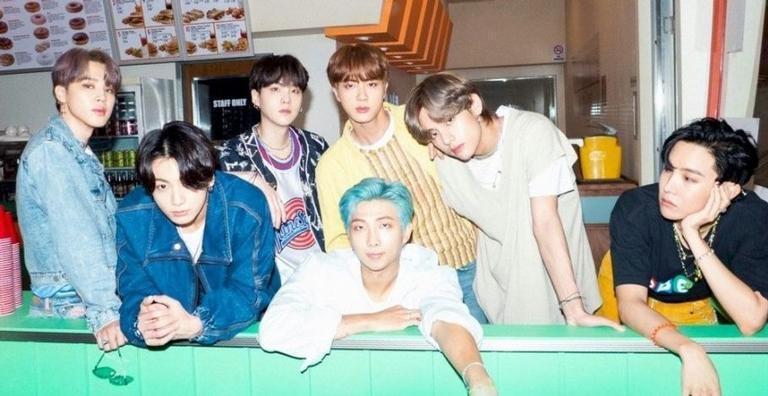 Além dos grandes sucessos como Dynamite, Fake Love, Boy With Luv e DNA, o BTS também possui outras músicas incríveis. Conheça!