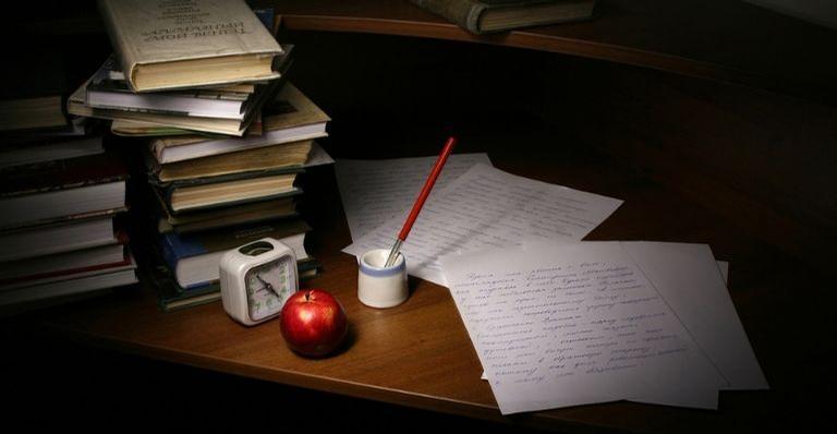 Escritores precisam ser criativos, esforçados e pacientes. Será que essa é a profissão ideal para você? Descubra!