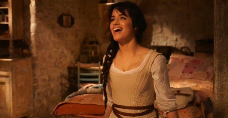 A produção estrelada pela cantora pop Camila Cabello estava prevista para chegar aos cinemas em julho